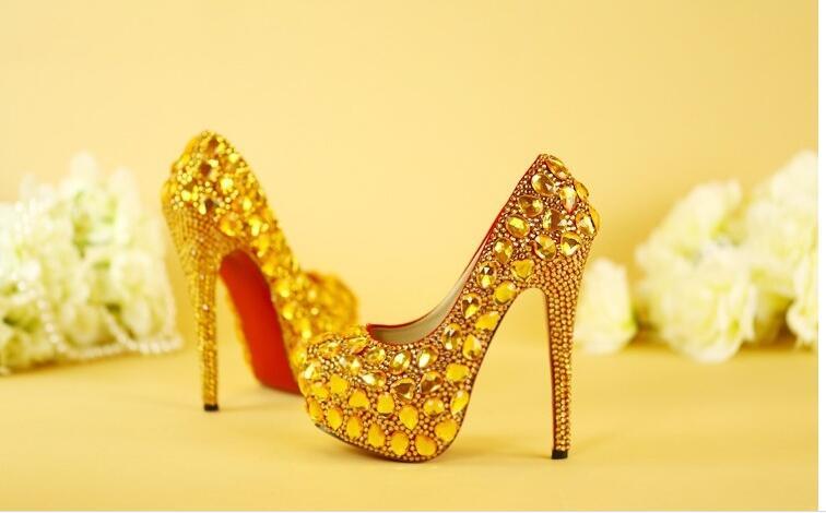 کفش پاشنه بلند - کفش های زنانه